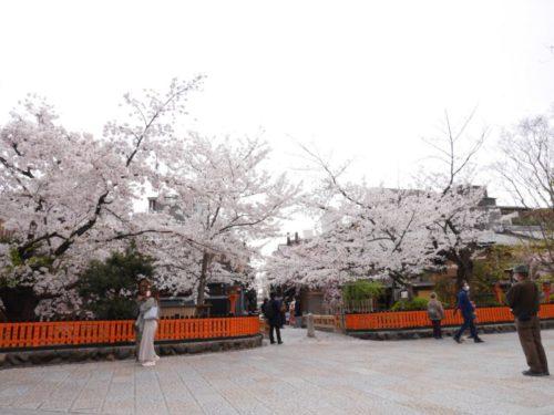 巽橋と辰巳神社前の様子