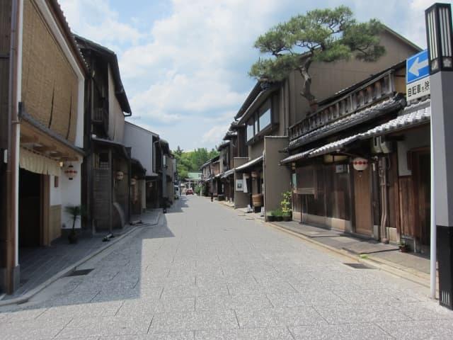 上七軒の京都風情感じる街並み