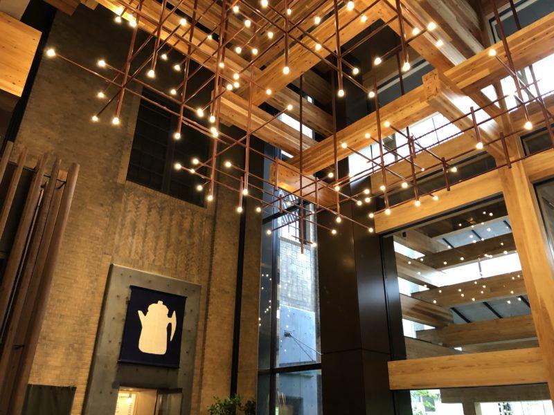 エースホテル京都の開放的な天井